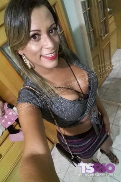 Flavia Amorim